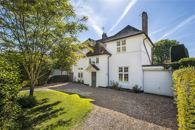 Asking Price £1,750,000, 4 Bedroom Detached House For Sale in Surbiton, KT6