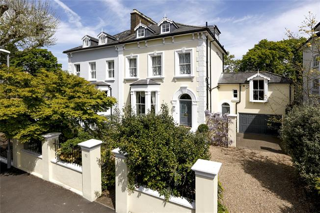 Asking Price £1,850,000, 6 Bedroom Semi Detached House For Sale in Surbiton, KT6