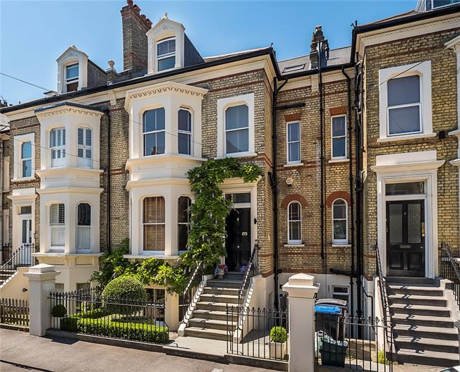 Asking Price £1,600,000, 5 Bedroom Terraced House For Sale in Surbiton, KT6