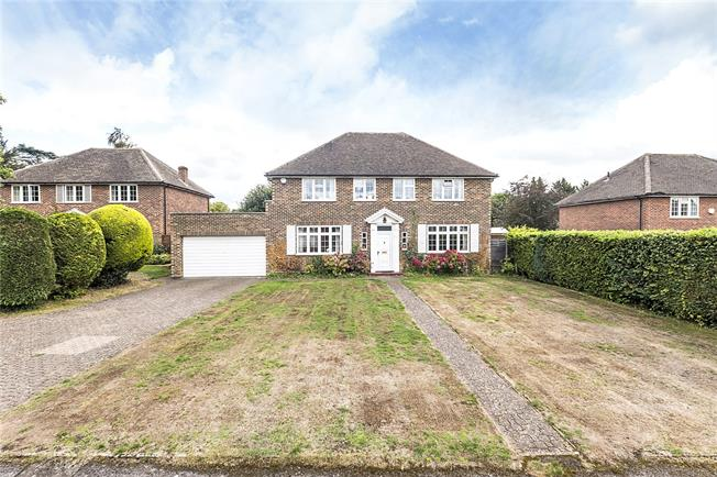 Asking Price £1,275,000, 4 Bedroom Detached House For Sale in Long Ditton, KT6