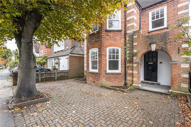 Asking Price £1,200,000, 7 Bedroom Detached House For Sale in Surbiton, KT6