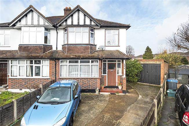 Asking Price £500,000, 3 Bedroom Semi Detached House For Sale in Surbiton, KT6