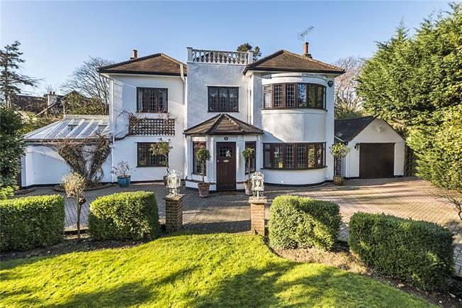 Asking Price £1,800,000, 4 Bedroom Detached House For Sale in Surbiton, KT6