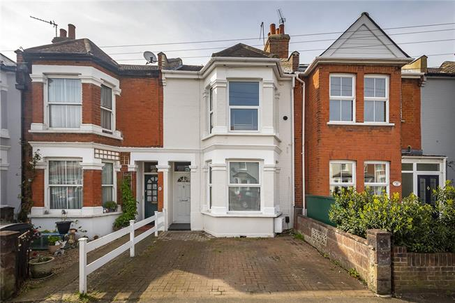 Asking Price £600,000, 3 Bedroom Terraced House For Sale in Surbiton, KT6
