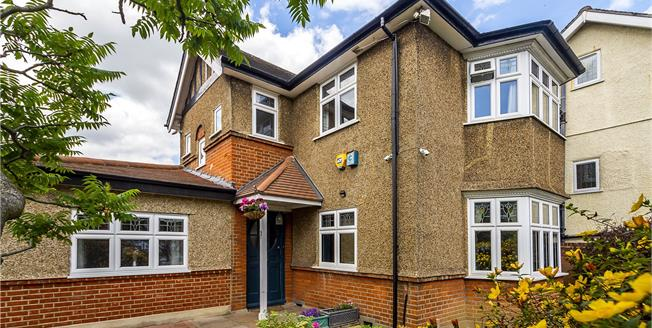 Asking Price £1,000,000, 4 Bedroom Detached House For Sale in Surbiton, KT5