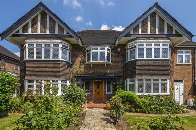 Asking Price £1,750,000, 5 Bedroom Detached House For Sale in Surbiton, KT5