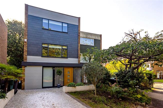 Asking Price £975,000, 5 Bedroom Semi Detached House For Sale in Surbiton, KT6