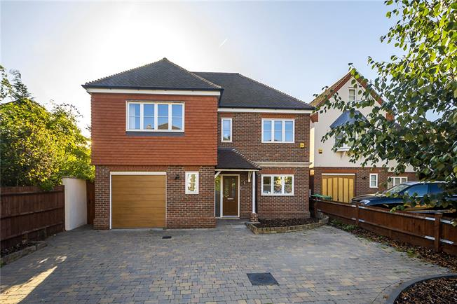 Asking Price £1,425,000, 5 Bedroom Detached House For Sale in Surbiton, KT5