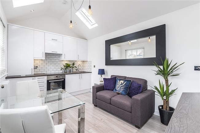 Offers in excess of £300,000, 1 Bedroom Terraced House For Sale in Twickenham, TW1