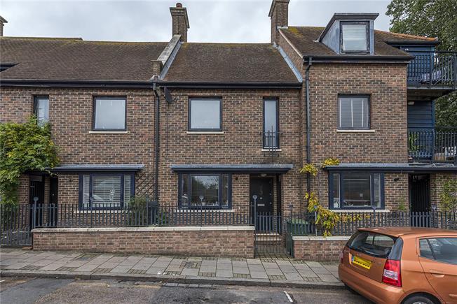 Asking Price £699,950, 2 Bedroom Terraced House For Sale in Twickenham, TW1