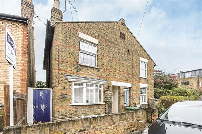 Asking Price £695,000, 2 Bedroom Semi Detached House For Sale in Twickenham, TW1