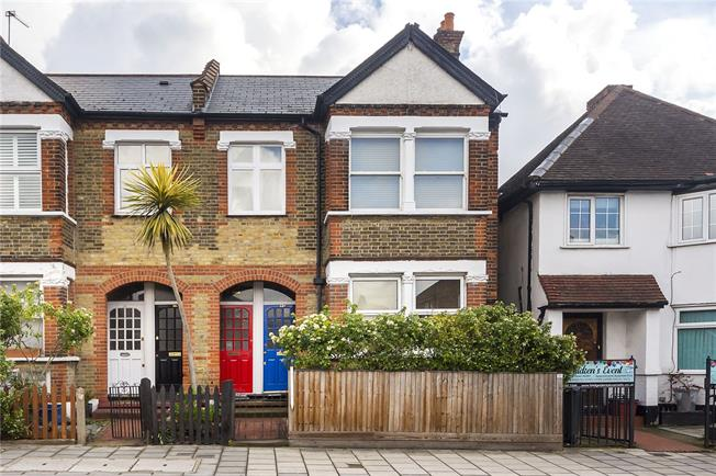 Guide Price £399,950, 2 Bedroom Flat For Sale in Isleworth, TW7