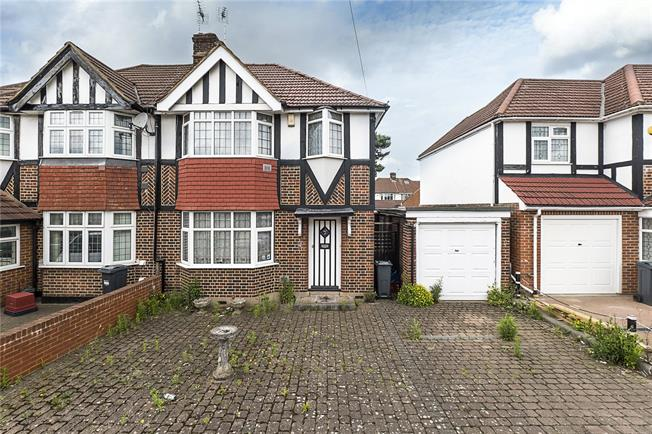 Asking Price £550,000, 3 Bedroom Semi Detached House For Sale in Hounslow, TW3