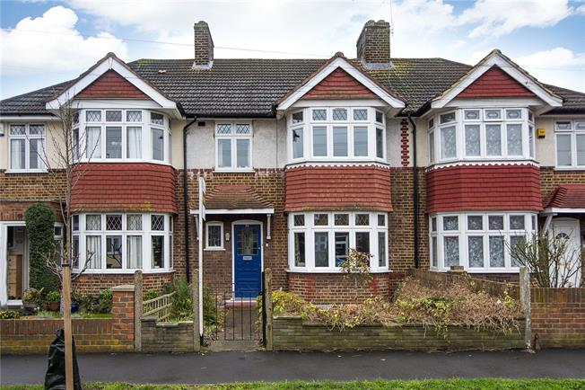 Asking Price £515,000, 3 Bedroom Terraced House For Sale in Hounslow, TW3