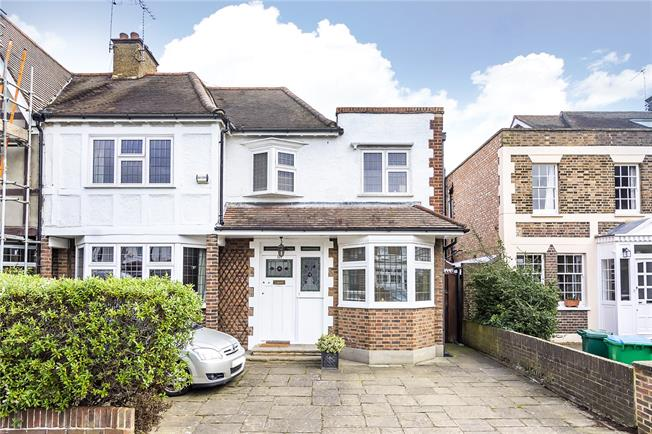 Guide Price £1,499,999, 4 Bedroom Semi Detached House For Sale in Twickenham, TW1