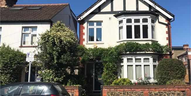 Guide Price £1,195,000, 4 Bedroom Detached House For Sale in Twickenham, TW1