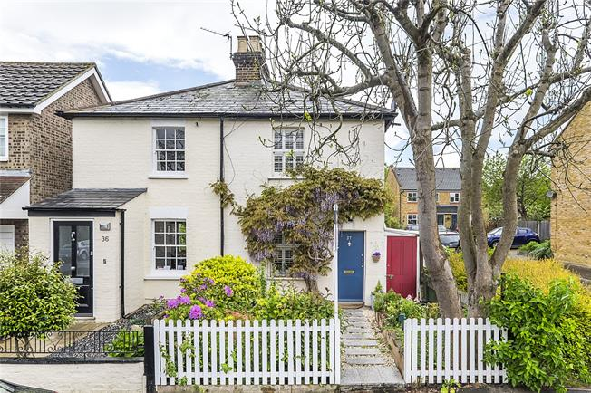 Guide Price £585,000, 2 Bedroom Semi Detached House For Sale in Twickenham, TW2