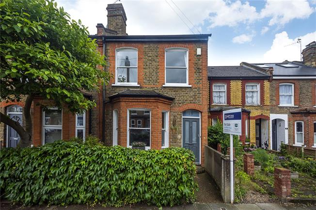 Guide Price £875,000, 4 Bedroom End of Terrace House For Sale in Twickenham, TW2