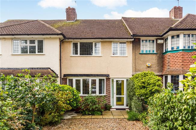 Guide Price £595,000, 3 Bedroom Terraced House For Sale in Twickenham, TW2