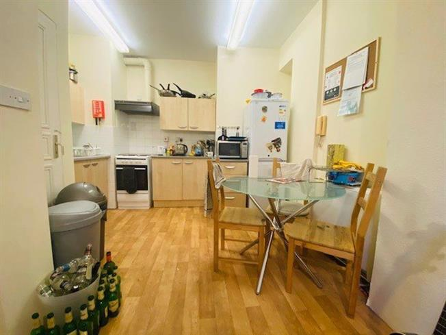3 bedroom flat to rent in Southampton | £1,080 pcm