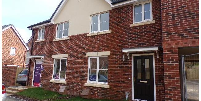 £348,000, 3 Bedroom Terraced House For Sale in Hampshire, GU30