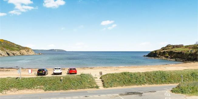 £495,000, 3 Bedroom Flat For Sale in Maenporth, TR11