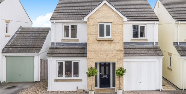 Guide Price £340,000, 4 Bedroom Detached House For Sale in Helston, TR13