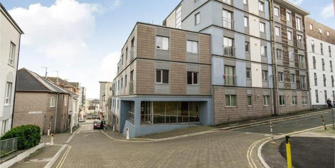 Guide Price £120,000, 2 Bedroom Flat For Sale in Plymouth, PL4