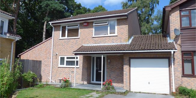 Guide Price £400,000, 4 Bedroom Link Detached House For Sale in Poole, BH17