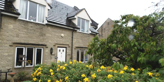 Guide Price £122,500, 1 Bedroom Flat For Sale in Winchcombe, GL54
