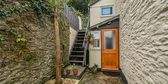 Asking Price £185,000, 2 Bedroom Terraced Cottage For Sale in Looe, PL13