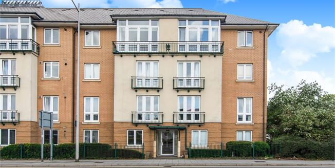 Guide Price £170,000, 2 Bedroom Flat For Sale in Cardiff, CF10
