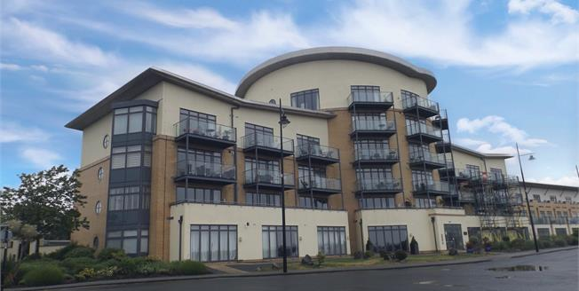 Asking Price £310,000, 2 Bedroom Flat For Sale in Cardiff, CF10