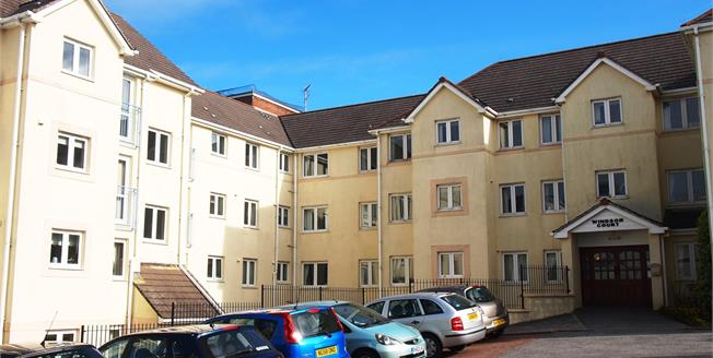 Asking Price £82,500, 1 Bedroom Flat For Sale in Newquay, TR7