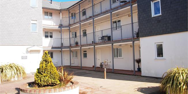 Asking Price £145,000, 2 Bedroom Flat For Sale in Newquay, TR7