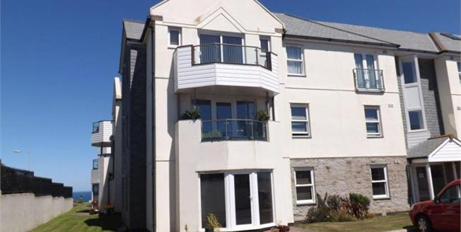 Asking Price £245,000, 3 Bedroom Flat For Sale in Newquay, TR7