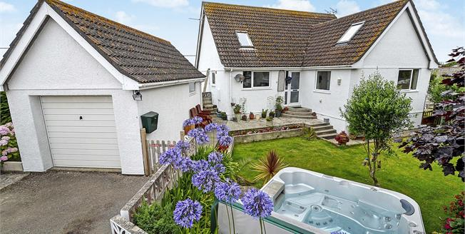 Asking Price £395,000, 4 Bedroom Semi Detached House For Sale in Newquay, TR7