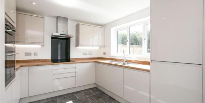 £375,000, 4 Bedroom Detached House For Sale in Heritage Point, TR4