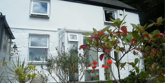 Asking Price £176,500, 2 Bedroom Semi Detached Cottage For Sale in Whitecross, TR20