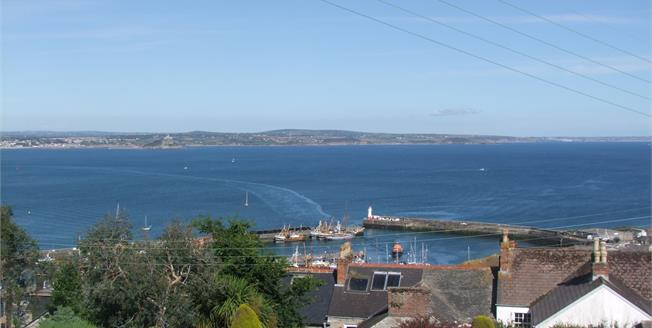 Guide Price £265,000, 3 Bedroom Detached Bungalow For Sale in Newlyn, TR18