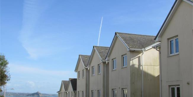 Asking Price £69,950, 1 Bedroom Flat For Sale in Penzance, TR18