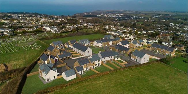 £400,000, 4 Bedroom Semi Detached House For Sale in Cornwall, TR5