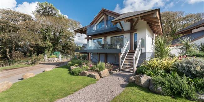 £715,000, 3 Bedroom Detached House For Sale in St Ives, TR26
