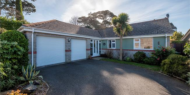 Guide Price £450,000, 3 Bedroom Detached Bungalow For Sale in Carbis Bay, TR26