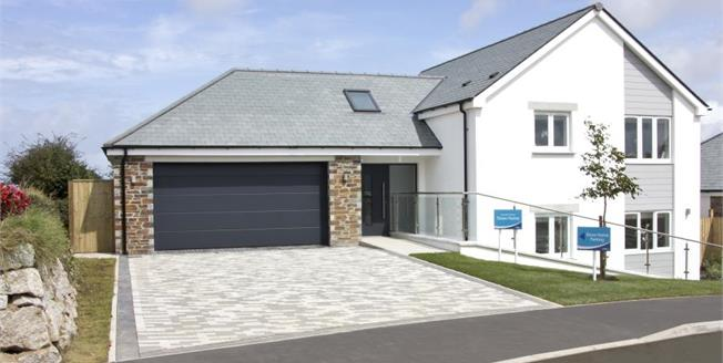 £634,950, 4 Bedroom Detached House For Sale in Lannanta Forge, TR26