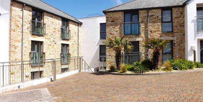 Offers in excess of £300,000, 2 Bedroom Flat For Sale in Carbis Bay, TR26