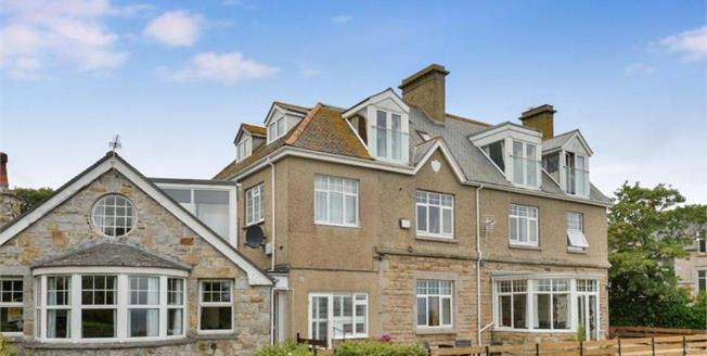 Asking Price £295,000, 3 Bedroom Upper Floor Flat For Sale in St. Ives, TR26