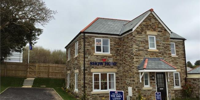 £298,000, 4 Bedroom Detached House For Sale in Menear Meadows, PL25