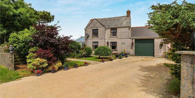 Asking Price £315,000, 3 Bedroom Detached Cottage For Sale in Truro, TR2