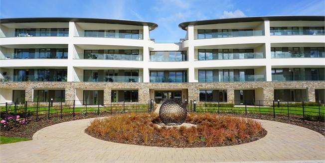 Asking Price £419,000, 2 Bedroom Flat For Sale in Carlyon Bay, PL25